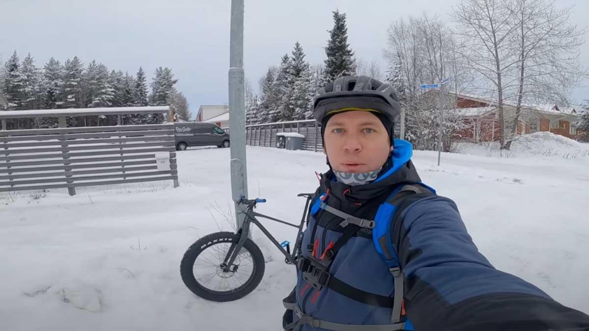 Outdoors Oulu ja Alanko ulkoilee läskipyöräilemässä Oulussa Iinatissa